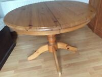 Extending Pine Pedestal Table