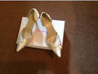 Rainbow Club Kiera Ivory Satin Bridal Shoes Wedding Size 7 great condition dyeable