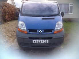 Renault traffic van LWB diesel FSH 2 owners 6 speed parrot hands free aircon 142k new clutch