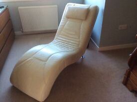 Chair,Leather cream coloured Chaise Longue, very good condition