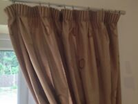 2 pairs of curtains for sale only £8