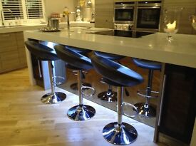 Six excellent condition kitchen bar stools