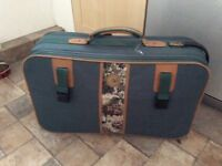 Suitcase medium size