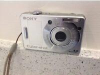 "CAMERA Sony Cyber-shot DSC - W50 Digital Camera - Silver ( 6.0 OMP 3x Optical zoom) 2.5 "" LCD"