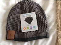 Bluetooth headphone beanie hat