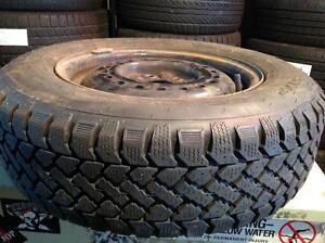 1 pneus d'hiver sur rime 185/70 r14 snowtrakker radial st-2.   60$