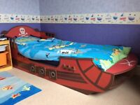Crazy shark pirate theme single bed, rug and Dovet set (mattress not included)
