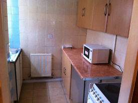 Single and Double Room To let £60, 70 all Bills inclusive Near Boohoo and Briercliffe Road Burnley