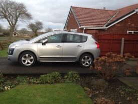 Peugeot 3008 exclusive top of the range automatic in silver good condition two owners full history