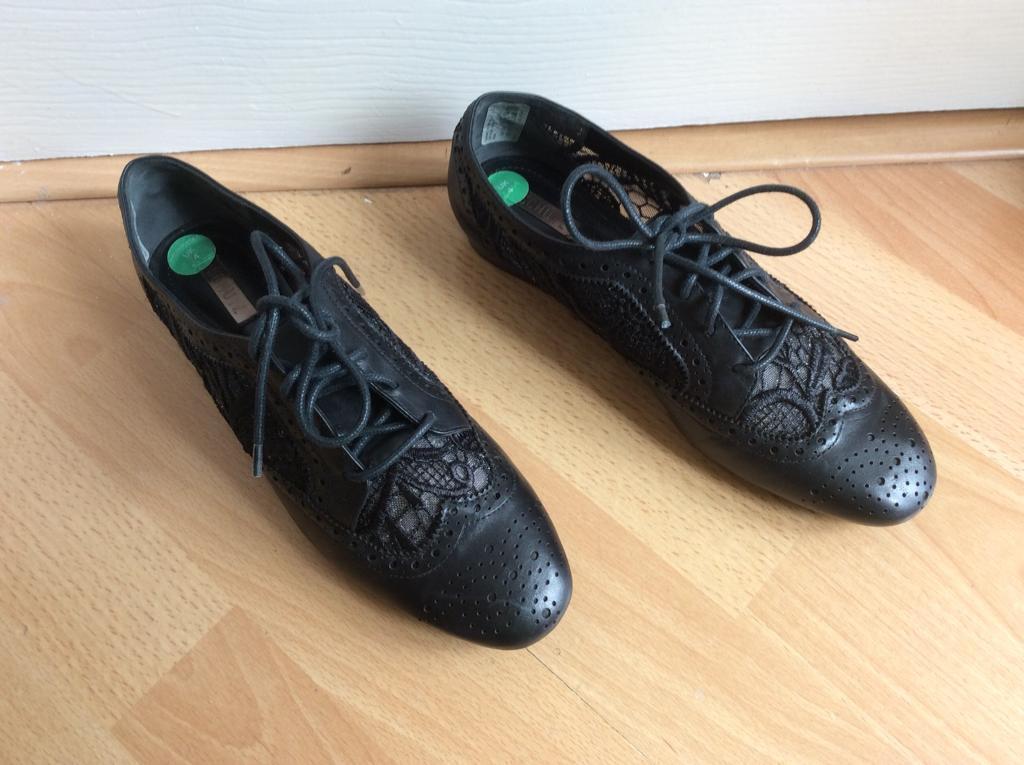 Beautiful SCHUTZ Genuine Leather Shoes UK 4 (NEW)