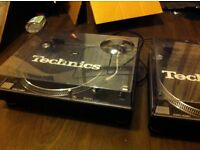 TECHNICS 1210S MK2 x2 TURNTABLES & ROKIT 5 SPEAKERS (in built amp)