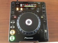 Pioneer CDJ- 1000 Mk3 compact disc players