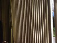 Vertical blind vanes
