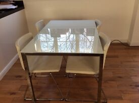 Modern Dining Room Table and 6 chairs 135cm x85cm