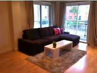 Double room to rent in a 2 bedroom flat in Hither Green