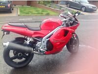 Triumph 955i low miles , FSH, spares included, wheels , swingarm