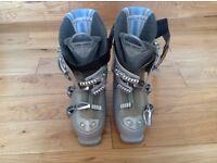 Ski boots unisex size 5