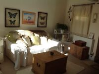 STUDIO FLAT SELF-CONTAINED, KITCHEN, BATHROOM, UNFURN,GOODRINGTON CLOSE SHOPS, BEACH, WORKING PERSON