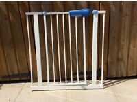 Lindam pressure fitted stair gate