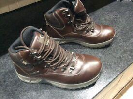 Children's Hi Gear Derwent III waterproof walking boots