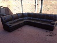 DARK BROWN LEATHER 8 SEATER CORNER SOFA IN EXCELLENT CONDITION FREE LOCAL DELIVERY