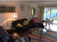 Lovely room to rent in a spacious house on a quiet road within a minutes walk to Roath Park Lake
