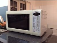 20 litre compact 800W microwave oven