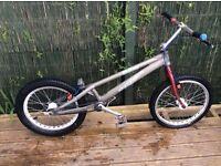 Onza Tpro trial bike. £120 Ono