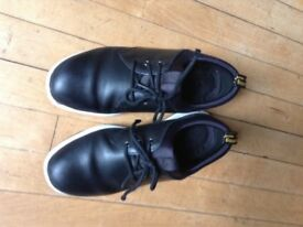 Dr martens bouncing sole men's shoes size 6