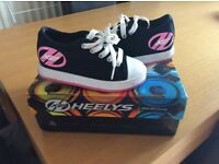 Official Heelys - black and pink