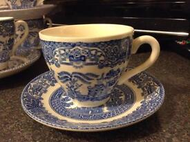 Willow pattern cups and saucers