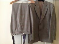 Mans vintage wool suit large size