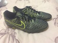 Nike Magista men's size 8.5 football boots