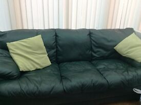 3 seater & 2 seater leather suite