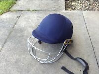 Adult size cricket helmet, GN icon geo