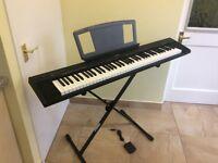 Yamaha Piano NP 30. Black ( Portable ) includes stand