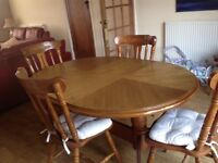 Dining table and 6 chairs. Mid oak