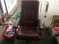 Leather chair - burgundy.