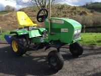 Toy tractor with linkbox trailor and digger