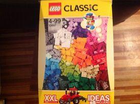 LEGO CLASSIC LARGE CREATIVE BOX 10697. (Like New)