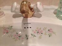 Rare vintage Vernon Tutbury rose design bathroom suite and accessories in excellent condition
