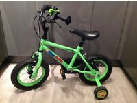 """Apollo Marvin the Monkey 12"""" bike with matching accessories"""