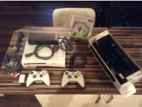 XBox 360, 2 controllers, kinect and games