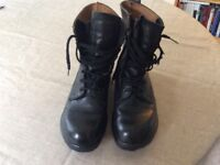 Used Black Army Boots Size 7
