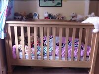 Mamas and papas horizons cot/bed