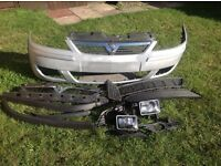 Corsa C front bumper with spare grill, fog lights and front splitter