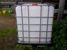 IBC Container 1000 litres on Pallet Water Storage Tank