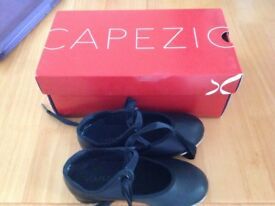 Size 9 nearly new children's tap shoes