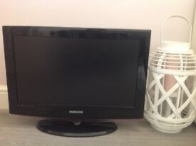 22inch Samsung tv DVD player built in