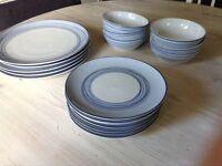 Dinner set - 5 Big Plates, 7 side plates & 6 bowls